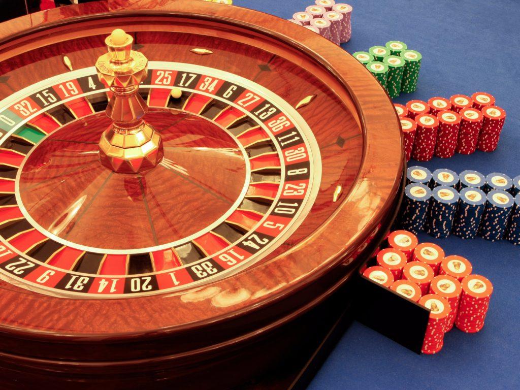 Dlaczego grać w darmowe wersje gier kasynowych online
